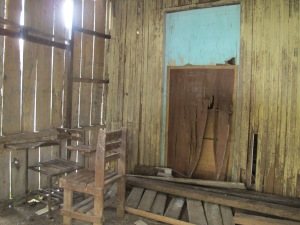 Abandoned classroom at Burias ES